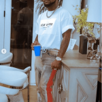 Davido Punch Fan In The Face While Clubbing In Dubai (VIDEO)